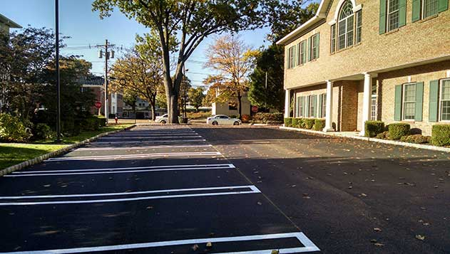 Commercial Asphalt & Parking Lot Construction Services in Ramsey, NJ